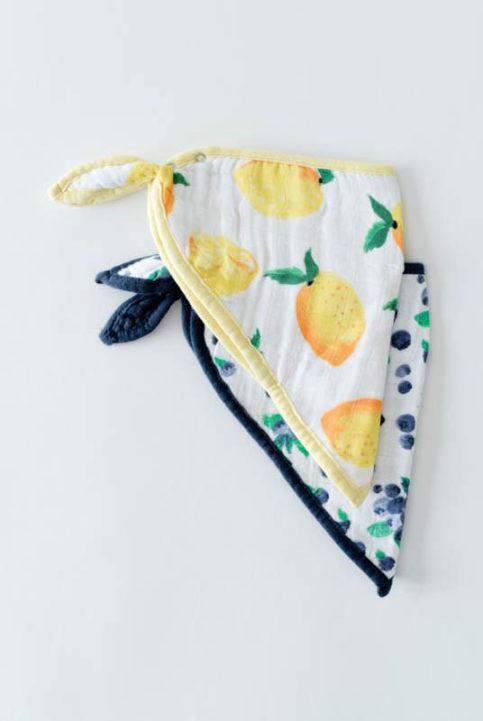 Bnadanas limones y bayas muselinas